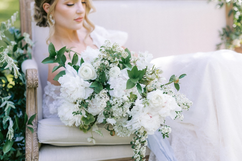 New York Wedding Officiant, close up of bride's bouquet