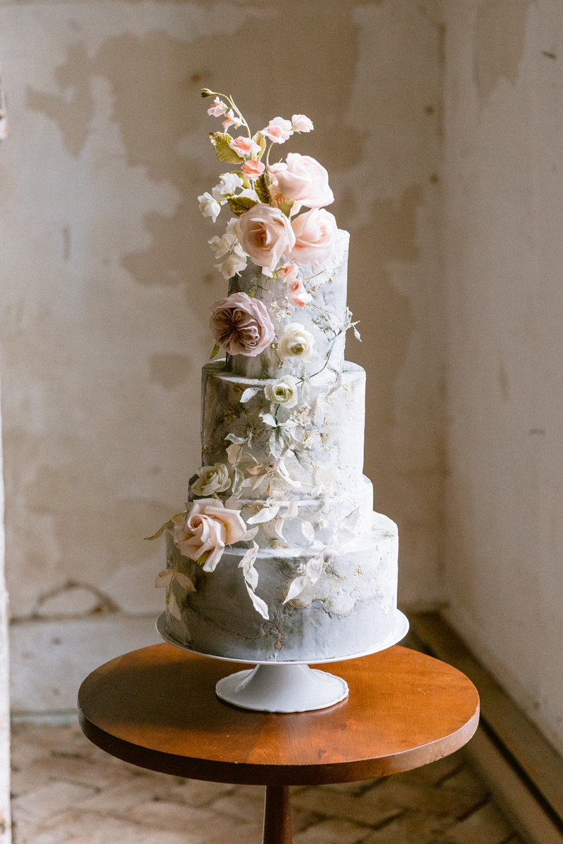 New York Wedding Officiant, ornate wedding cake with frosting flowers