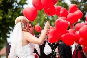 wedding red balloons